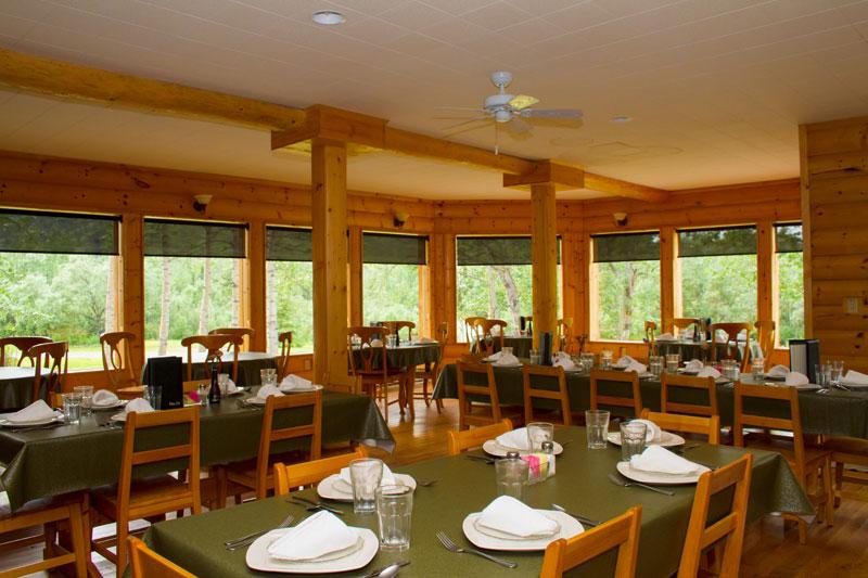 kantishna-roadhouse-dining-area