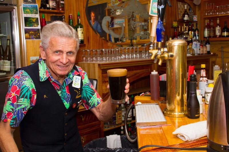 kantishna-roadhouse-saloon-beer