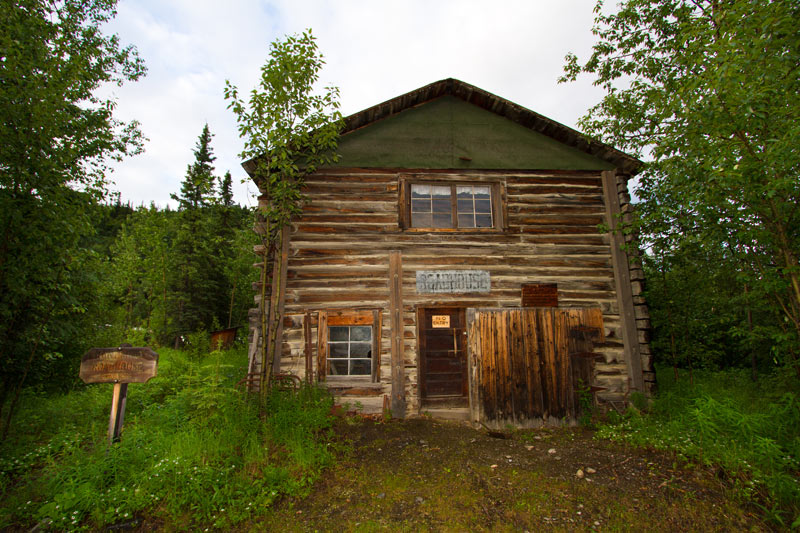 original-old-building-kantishna-roadhouse